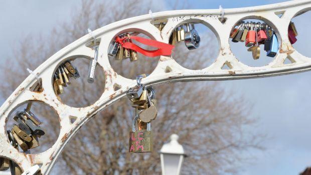 Ha'penny bridge Dublin love locks